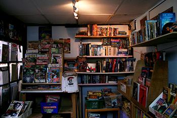 Retinal Comics store shelves books